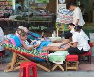 Massagem tailandesa do pé Imagens de Stock