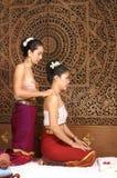 Massagem tailandesa saudável Foto de Stock Royalty Free