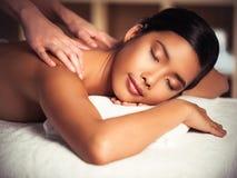 Massagem traseira imagem de stock royalty free