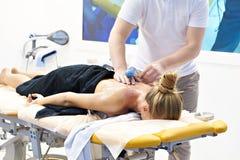 Massages met elektronisch apparaat royalty-vrije stock foto