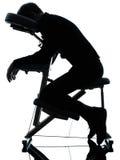 Massagetherapie mit Stuhl stockfotografie