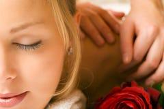 massagewellness royaltyfri fotografi