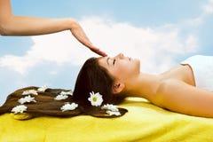 Massaggio capo Fotografie Stock