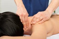 Massaggio del collo Immagine Stock