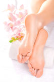 Massaggio del piede nel salone della stazione termale Fotografia Stock Libera da Diritti