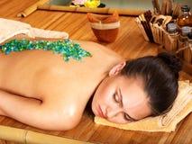 Massaggio del sale. immagini stock libere da diritti