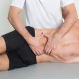 Massaggio del tessuto del muscolo Fotografie Stock