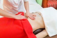 massaggio della pancia delle Anti-celluliti Ricupero della pelle immagine stock