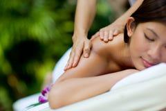 Massaggio delle mani fotografie stock