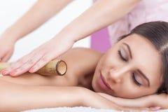 Massaggio di bambù Immagine Stock