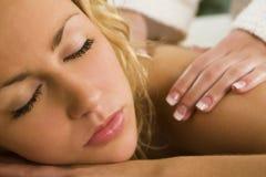 Massaggio di distensione anche Immagini Stock Libere da Diritti