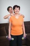 Massaggio dopo l'esercizio Fotografie Stock Libere da Diritti