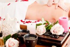 Massaggio posteriore in stazione termale Fotografia Stock