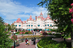 Masse an der Disneyland-Rücksortierung-Paris-Hauptleitung Lizenzfreie Stockbilder