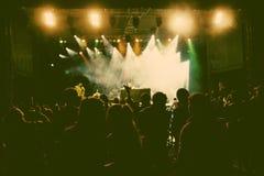 Masse am Konzert Lizenzfreie Stockfotos