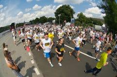 Massen- Rennen-Adidas-Energielauf Lizenzfreies Stockbild