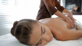 masseur brunette Tricky