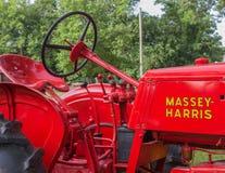 葡萄酒Massey哈里斯农厂Tractorarm拖拉机的特写镜头 库存图片