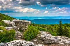 Massi e vista orientale delle montagne appalachiane dall'orso Fotografie Stock Libere da Diritti