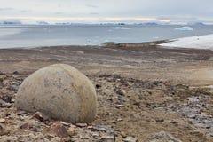 Massi misteriosi e ciottoli dell'isola del campione Fotografia Stock Libera da Diritti