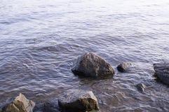 Massi nell'acqua natura, geologica fotografia stock libera da diritti
