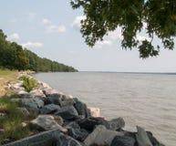 Massi rocciosi al bordo del fiume nella Virginia immagine stock libera da diritti