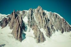 Massiccio de il Monte Bianco sul confine della Francia e dell'Italia Nella f Immagine Stock