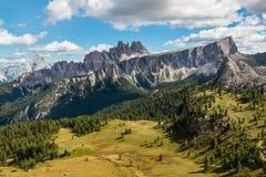 Massiccio di Croda da Lago in dolomia del sud del Tirolo Immagini Stock
