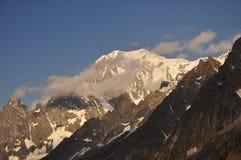 Massiccio di Mont Blanc, alpi italiane, la valle d'Aosta. Immagine Stock Libera da Diritti