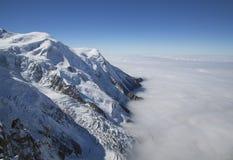 Massiccio di Mont Blanc nelle alpi francesi Immagine Stock