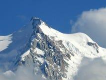 Massiccio di Mont Blanc sotto la neve nelle alpi francesi Immagini Stock