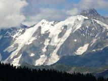 Massiccio di Mont Blanc sotto la neve nelle alpi francesi Fotografia Stock Libera da Diritti