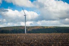 Massieve Windturbines Stock Afbeeldingen
