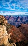 Massieven van zich Grand Canyon -het uitrekken in de horizon Royalty-vrije Stock Afbeeldingen