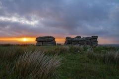 Massif de roche de Dartmoor au coucher du soleil Images libres de droits
