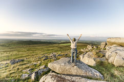 Massif de roche debout de femme Photographie stock libre de droits