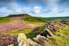 Massif de roche de Higger dans Derbyshire Photos libres de droits