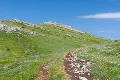 Massif montagneux de Chatyr-Dah en Crimée photographie stock