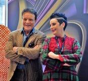 Massimo Ranieri och Roberta Torre, Italien, på den 40th MoskvaInternationalfilmfestivalen Royaltyfria Bilder