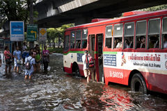 Massiv översvämning i Bangkok. Thailand Royaltyfria Foton