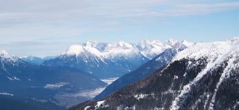Massiv för bergEuropa snöig fjällängar Royaltyfria Foton