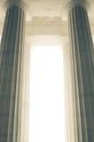 Massiva arkitektoniska kolonner Royaltyfri Bild