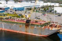 Massiva Rusty Tanker Arkivbilder