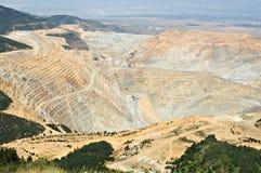 Massive Tagebaugrube Lizenzfreie Stockfotos