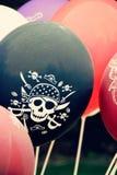 Massor av ballonger för ett piratkopieraparti foto Arkivbilder