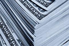 Massor av hundra av dollarräkningar Arkivfoton