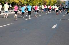 Massor av maratonlöpare Arkivfoto