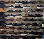Massor av skor Arkivfoton