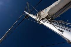Mast av katamaranen Royaltyfri Foto