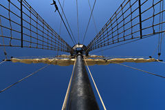 Mast in de hemel wordt geleid die Stock Foto's